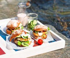 Fish burgers for pic nic - Kallvikin kalahampurilaiset, resepti – Ruoka.fi
