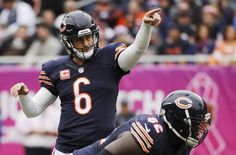 Oakland Raiders vs Chicago Bears: Final score and closing thoughts - Oct 4, 2015; Chicago, IL, USA; Chicago Bears quarterback Jay Cutler (6) gestures before a snap against the Oakland Raiders during the first quarter at Soldier Field. Mandatory Credit: Matt Marton-USA TODAY Sports