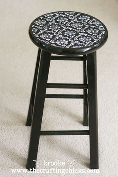now i know what to do with those bar stools i picked up at a yard sale