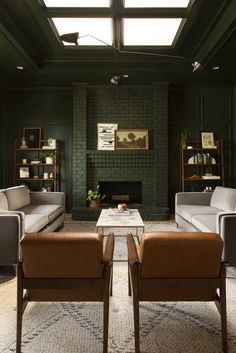 There's one area in every space that almost always remains untapped real estate. Three paint experts explain how to choose a ceiling paint color. Dark Green Living Room, Dark Green Walls, My Living Room, Living Room Decor, Living Spaces, Home Design, Baby Design, Home Interior, Interior Plants