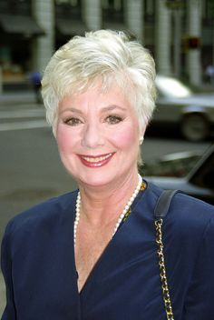Shirley Jones 'Devastated' Over Suzanne Crough's Passing — Exclusive Statement Suzanne Crough Death Short Hair Over 60, Short Thin Hair, Short Grey Hair, Short Hair Older Women, Haircut For Older Women, Short Hair With Layers, Cool Short Hairstyles, Mom Hairstyles, Haircuts For Fine Hair