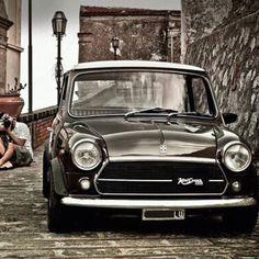 #innocenti #innocentimini #classicmini #classiccar #minicooper #minidellojonio #mini #export #cooper #instamini