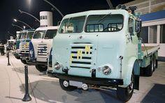 FNM ( Fenemê, Fábrica Nacional de Motores ) 2ª Noite dos Pesos Pesados traz caminhões e ônibus antigos ao Sambódromo