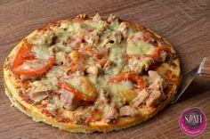 """""""Túró"""" alapú, 5 grammnál is kevesebb szénhidrátot tartalmazó pizza Healthy Cooking, Healthy Snacks, Healthy Eating, Sin Gluten, Vegetarian Recepies, Diet Recipes, Healthy Recipes, Veggie Dishes, Pasta"""