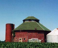 Round barn in Lee Co, Iowa