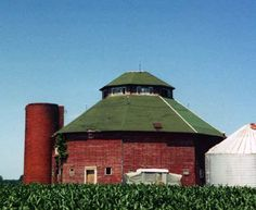 Round barn in Lee Co, Iowa