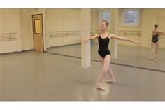 Video: How to Do a Proper Fouette Turn in Ballet en Pointe | eHow