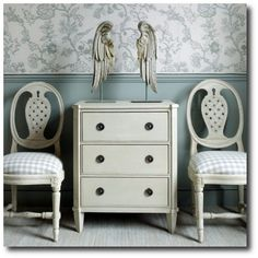 Love the color on the furniture. Not too white. Nit too gray.
