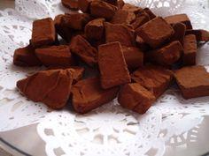 ASTUCE MINUTE NOEL COMMENT FAIRE 50 TRUFFES AU CHOCOLAT EN 4 MINUTES