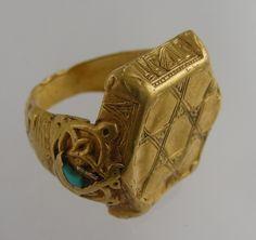 Thirteenth century Seljuk gold ring with a hexagram