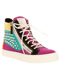 OOH i want these #sneakers
