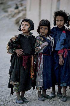 Africa | Berber children. High Atlas region, Morocco | ©Kazuyoshi Nomachi