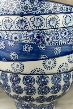 Indigo blue and white bowls Blue And White China, Love Blue, Blue China, Bleu Indigo, Azul Indigo, Color Of The Year, Delft, Ceramic Pottery, Blue Pottery