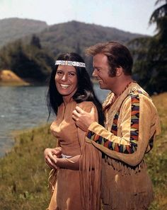 """""""The Paradise Syndrome"""" Sabrina Scharf and William Shatner"""