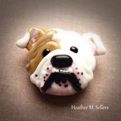Doozer the bulldog, a lampwork glass bead by Heather Sellers Art Glass #bulldog #dog #puppy #lampwork