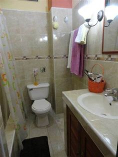 Detalle baño Cuba, Colonial, Toilet, Bathroom, Ensuite Bathrooms, Double Bedroom, Washroom, Flush Toilet, Bath Room