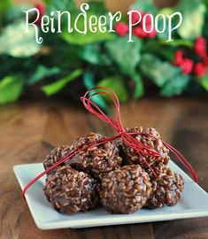 Easy No Bake Recipe Easy No Bake Recipe for Reindeer droppings Cookies whip up a batch and include a reindeer poop poem Free Printable Kids Christmas Treats, Christmas Sweets, Christmas Cooking, Christmas Goodies, Christmas Candy, Holiday Treats, Simple Christmas, Holiday Recipes, Christmas Recipes