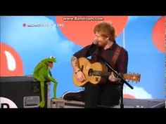 Ed Sheeran singing Rainbow Connection with Kermit the Frog on Red Nose D...