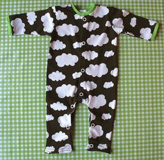 Baby Pajamas continue to make your little one pleasant for sleep and sleeping snuggles! Purchase your preferred form, like footie pajamas and stylish pajama groups. Preemie Clothes, Sewing Baby Clothes, Baby Clothes Patterns, Sewing Patterns For Kids, Baby Kids Clothes, Baby Patterns, Diy Baby Gifts, Baby Crafts, Sewing Projects For Kids