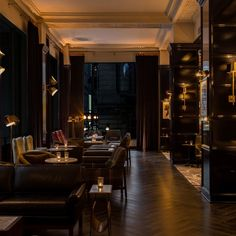 Old-World Charm Meets New-Age Luxury at Chicago's Just-Opened Hotel