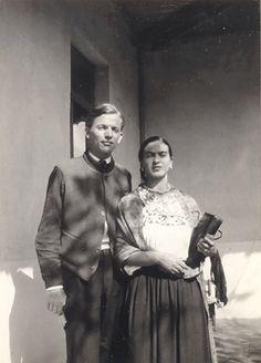 Juan O'Gorman y Frida Kahlo                                                                                                                                                     Más