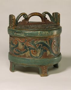 Butter tub, Gudbrandsdal, Norway, Carved and painted wood.