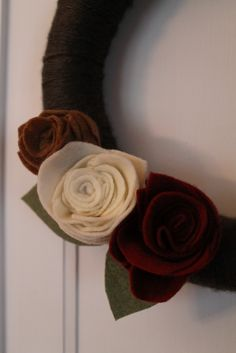 Hammers and High Heels: Craft Night Series: A Yarn Wrapped Wreath With Felt Rosettes