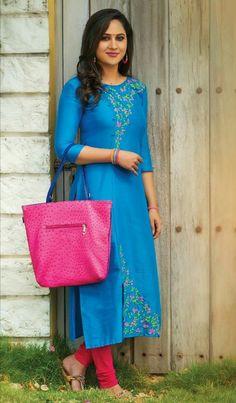 Hand Embroidery Dress, Kurti Embroidery Design, Embroidery Suits, Applique Dress, Salwar Kameez Neck Designs, Salwar Designs, Kurta Designs Women, Blouse Designs, Churidhar Designs