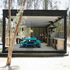 Casa Arquitecto Rodrigo Arcos / Catapilco / Chile Outdoor Rooms, Outdoor Living, Outdoor Decor, Gazebos, Prefab Cabins, Weekend House, Outside Living, Summer Kitchen, Tropical Houses