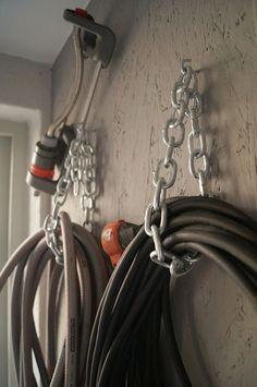 Kolla in vårt förråd! Garage Organization Tips, Diy Garage Storage, Workshop Organization, Bike Storage, Garage To Living Space, Getting Organized At Home, Garage House, Garage Design, Garage Workshop
