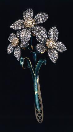 Broche de corsage Bouquet de jonquilles, or, argent, diamants, émail, de la collection Romanov, fin 18ème