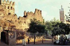 Kasbah und Minarett, 1962 Czychowski/Timeline Images #1960 #60er #60s #Marokko #Morocco #Festung #Fortress #Moschee #Mosque #Ruine #Ruins #Burg