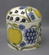 Arabia Paratiisi by Birger Kaipiainen Glass Vessel, Glass Art, Nordic Art, Contemporary Ceramics, Jar Lids, Ceramic Artists, Box Design, Scandinavian Style, Metallica