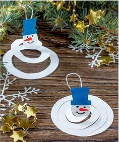 Colorful Christmas Tree, Simple Christmas, Christmas Diy, Winter Crafts For Kids, Winter Kids, Winter Wonderland Christmas, Christmas Ornament Crafts, Winter Activities, Preschool Crafts