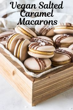 Vegan Salted Caramel Macarons Vegan Salted Caramel Macarons - These are my delicious Salted Caramel Vegan Macarons. Gluten-free, egg-free made with aquafaba. Plus check out tips on how to make vegan macarons. Desserts Végétaliens, Vegan Dessert Recipes, Gourmet Recipes, Vegan Baking Recipes, Macarons Vegan, Pistachio Macarons, Macarons Chocolate, Lemon Macarons, Macarons Easy