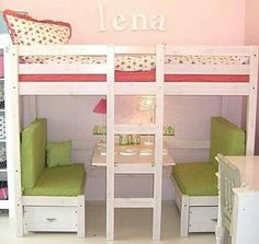 Ganar espacio con camas altas Absolutely love this. Loft bed with booth underneath that also turns into a bed!Absolutely love this. Loft bed with booth underneath that also turns into a bed! Kura Bed, Awesome Bedrooms, Cool Rooms, Kid Beds, Bunk Beds, Girls Bedroom, Bedroom Decor, Kids Bedroom Ideas For Girls, Girls Room Design