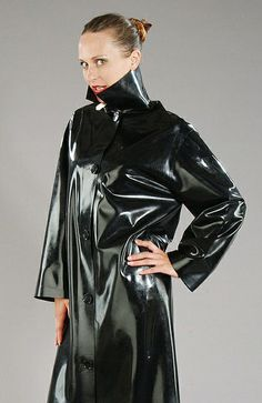Stunning---a lovely glossy mac which must be a joy to wear.!!