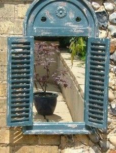 Love the idea of mirror in the garden! Small Garden Ideas Part 1