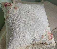 Vintage, shabby chic pillow Scarborough Fair RJR