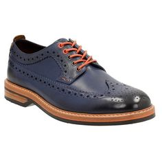 Men's Clarks Pitney Limit Wingtip (7.960 RUB) ❤ liked on Polyvore featuring men's fashion, men's shoes, men's oxfords, blue leather, mens wing tip shoes, mens leather brogues, mens blue wingtip shoes, mens blue leather shoes and mens brogue shoes