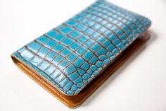 Robbiemoto's leather iPhone 5 wallet with turquoise-gator print