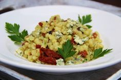 Spätzle with Blue Cheese and Dried Tomatoes Recipe - TopRecepty.cz - Spätzle with blue cheese and sun-dried tomatoes recipe – TopRecepty. Dried Tomatoes, Sun Dried, Blue Cheese, Gnocchi, Potato Salad, Cauliflower, Healthy Recipes, Treats, Vegetables