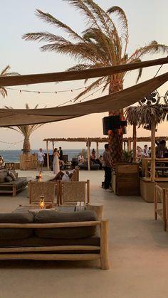Beach Resorts, Hotels And Resorts, Decoration Restaurant, Beach Cafe, Outdoor Restaurant, Backyard Paradise, Beach Gardens, Mykonos, Tulum