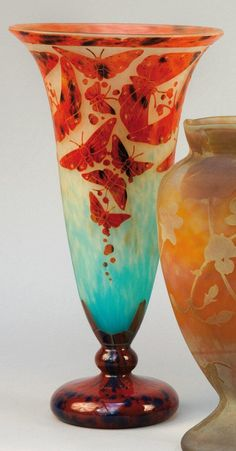 French glass vase butterflies = Thierry de Maigret