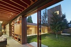 Low/Rise House in Menlo Park by Spiegel Aihara Workshop