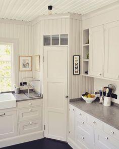 Love this built-in corner pantry