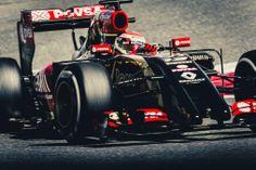 #13: Pastor Maldonado in his 2014 F1 Lotus E22 - no triskaidekaphobia here.