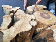 Find a tree that somebody cut down and make a free coffee table that is sure to be a conversation piece. Learn how to make a tree stump coffee table.