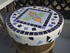Petite table en émaux de briare sur polystyrène