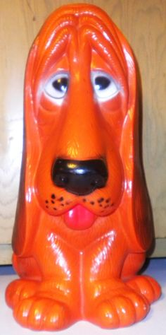 Dog Piggy Bank. Your favourite piggy banks: http://www.helpmetosave.com/2012/02/piggy-bank/